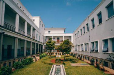 私立大学の受験にはお金がいくら必要?