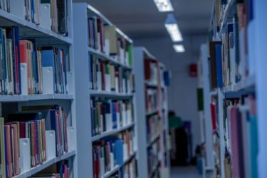 MARCH受験生必見!合格を目指すための英語リスニングの参考書ルート